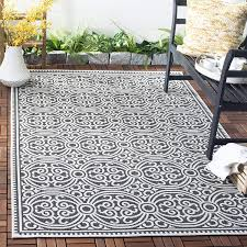 Safavieh Outdoor Area Rugs: Are They Really Good for Outdoor Use?